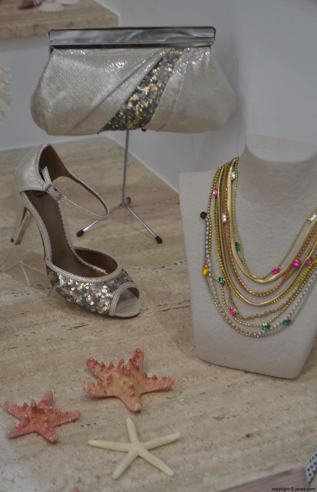 Zapatos-y-complementos-en-Calzados-La-Rulla-Jávea
