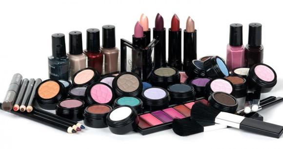 Ref. BOSI20150728001 Fabricante de cosméticos de alta calidad busca distribuidores