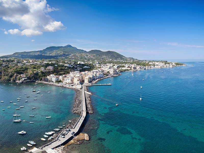 Ref. BOIT20150710001 Operador turístico italiano busca agentes
