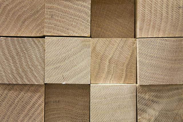Ref. TRIT20210518001 Empresa italiana de carpintería busca un productor de prensas en caliente para materiales a base de madera con temperaturas de prensado >150°C